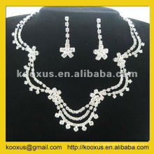 Conjunto de joyas en el último diseño