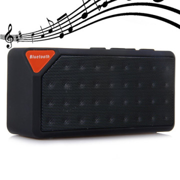 Altoparlante Bluetooth wireless portatile per scheda TF