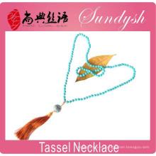 Collar de borlas de turquesa con cuentas largas artesanales hechas a mano