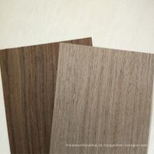 o folheado de madeira real decorativo da porta da madeira maciça moldou a pele da porta
