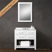 Espelho e armário de mobiliário de casa de banho em estilo moderno