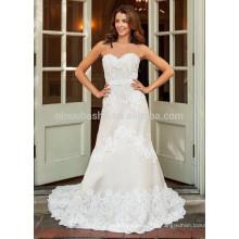 NA1025 Modeste A-ligne Sweetheart Sweep Train appliqué à la robe de mariée en dentelle 2015