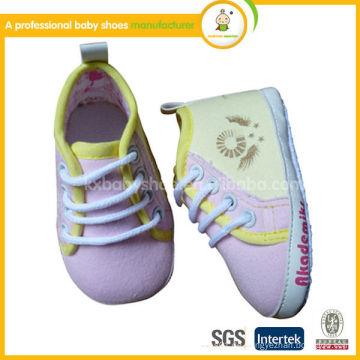 2015 Baby Walking Schuhe Schädel Muster Schuhe Baby Segeltuchschuhe