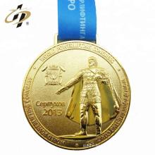 2018 medallas de oro de encargo del metal de la aleación del cinc del tamaño de encargo con el acollador