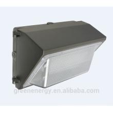 China-Lieferant IP65 ETL DLC listete Foto-Sensor für wahlweise freigestellten 60W LED-Wandsatz auf