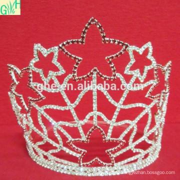 Anillo de la corona del oro de la fiesta