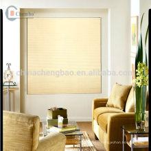 Fenêtres de décoration à domicile intégrées dans des stores en nid d'abeille