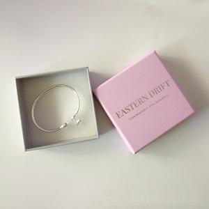 Custom logo paper bangle box at low price