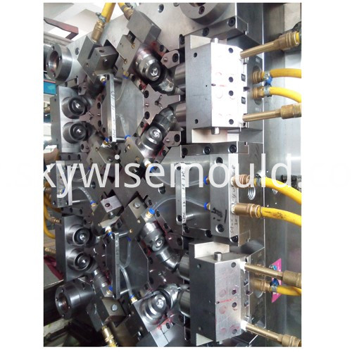 Water pipe injection mold