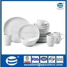 Porcelana blanca para el desayuno