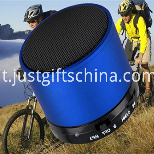 Promotional Cylinder Shape Bluetooth Speaker1