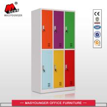 Nouveaux casiers en métal aux couleurs conçues