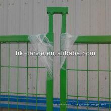 Les clôtures de construction temporaire enduites de poudre de 8 pieds comprennent des connecteurs supérieurs et une base