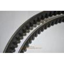На заводе высокого качества мотоциклов обычный клиновой ремень (675-18-8.0-30)