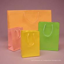 Bolsas de papel de frutas para tomar la fruta