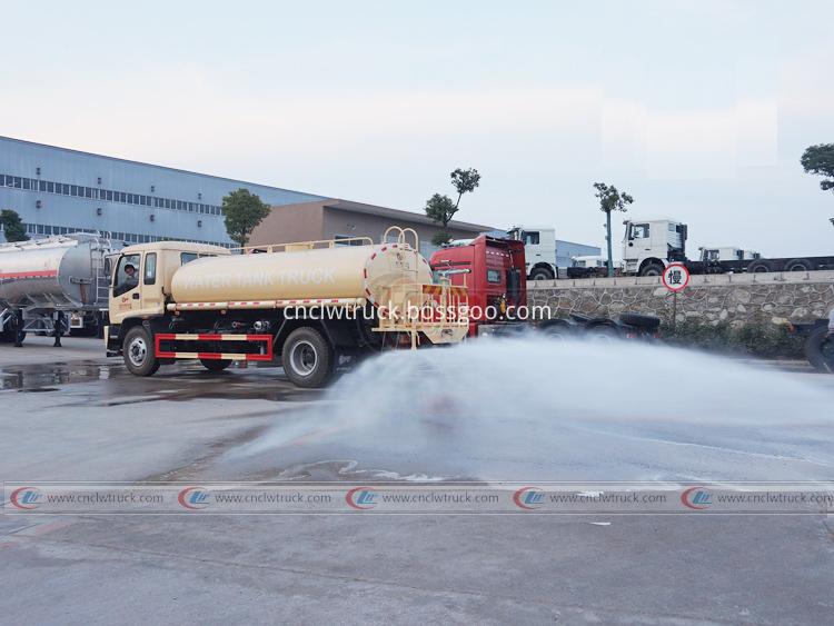 Isuzu Tanker Truck 10 000 Liters 3