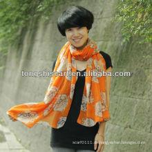Hijab-Schal der modernen Lilie