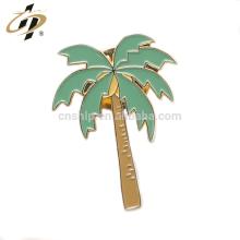 Atacado metal ouro macio esmalte personalizado forma de árvore de férias pinos de lapela