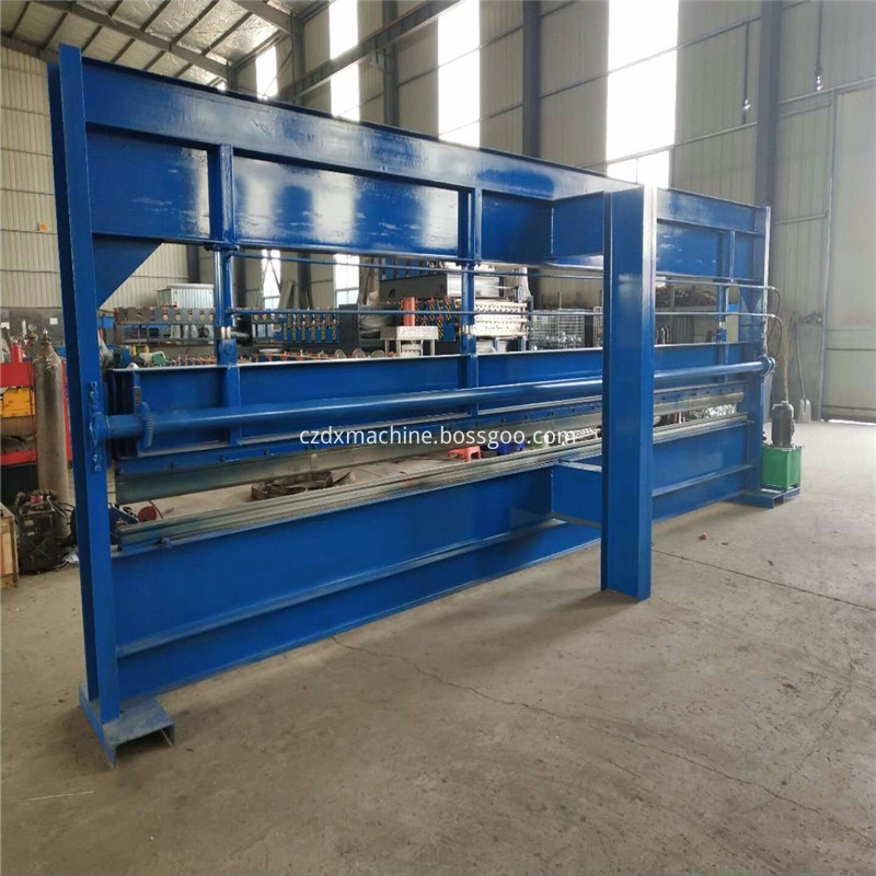Bending making machine