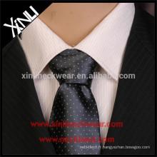 100% fait à la main noeud parfait en gros Mens cravate en soie