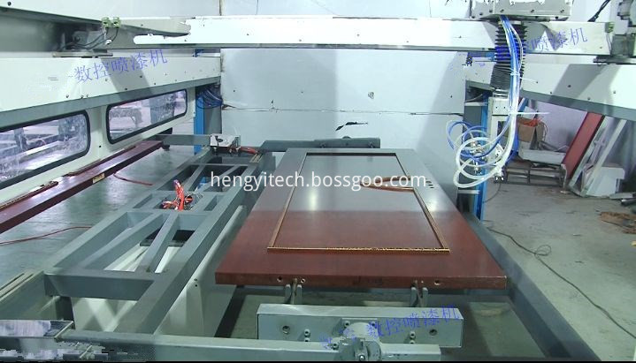 Reciprocating automatic painting machine