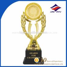 Super calidad premios trofeo hermoso con decoración de oro