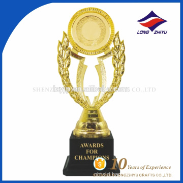 Super quality beautiful trophy awards With gold Decoration