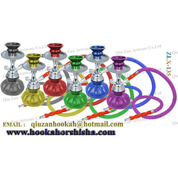Una manguera colorido vidrio calabaza pequeña cachimba