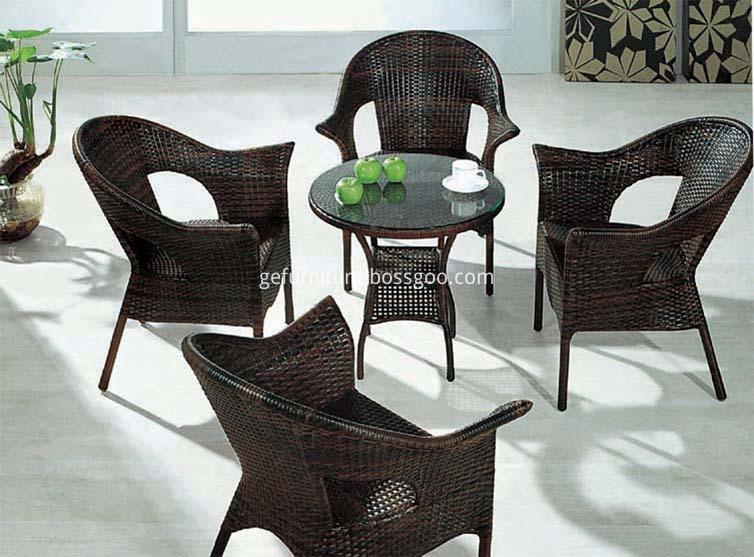 Aluminum round dining set