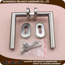 Poignée de porte Poignée de porte tubulaire en acier inoxydable avec plaqué SS