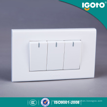 Igoto A1031 Blanco Color México Agente Estándar Americano 118 * 75mm 3 Gangas 1 Way Switch 3 Gang 2 Way Switch