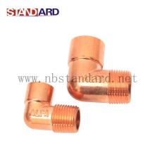 Instalación de fontanería de latón con cobre plateado