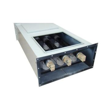 Phase isolated busbar trunking system