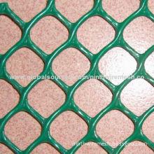 Plastic mesh, kind of barrier fencing, made of high-density and low pressure polypropylene