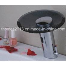 Automatischer Sensor Wassermischbatterie mit schwarzem Glas