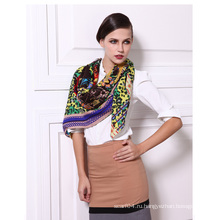 Твиллированная шерстяная ткань с принтом Элегантный женский шарф