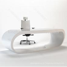 Mobiliário de escritório em preto e branco liso