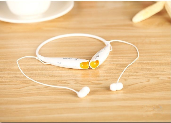 white sport earphone
