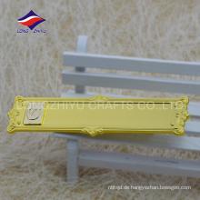 Schöne Gold gravieren Blume Zink-Legierung leeres Abzeichen
