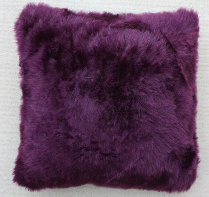 Polyester Beautiful Cushion With Solid Color
