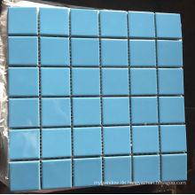 Blaues Schwimmbecken Porzellan Keramik Mosaik