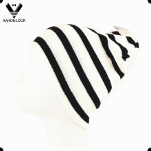 Men′s Winter Fashion Black White Stripe Knitted Sports Hat