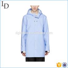 Chaqueta de lluvia impermeable de la venta caliente 2017 con el abrigo de lluvia para hombre de la capilla