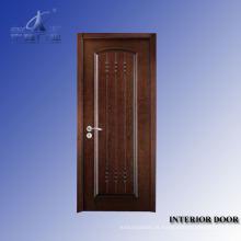 Acabamento de pintura de porta interior