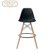 Jambe en bois de hêtre amd de siège en plastique populaire populaire pour la chaise en plastique de barre de restaurant avec