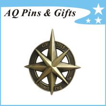 Badge en métal 3D avec découpe en finition antique (badge-220)