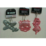 EN13356 hot key chainl promotional badge