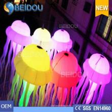 Напольная вечеринка Свадебная вечеринка Новогоднее украшение RC Lighted Inflatable Jellyfish