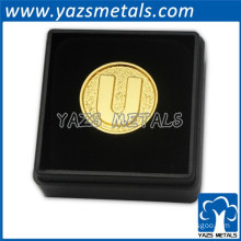metal gold coin with gifts box