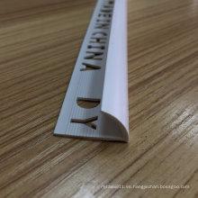 Uso del perfil de esquina de PVC en la pared (YT-0021)